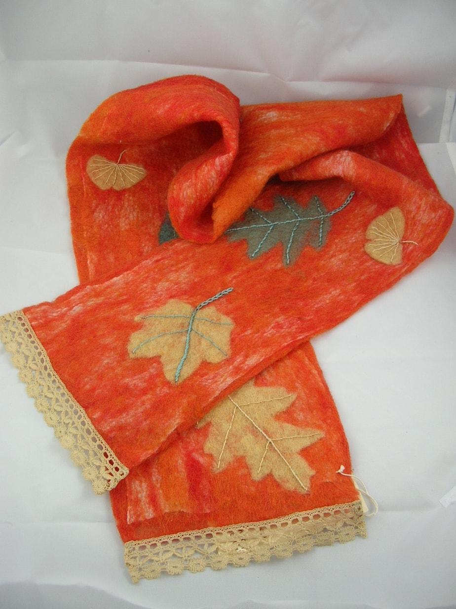 Orange-Leaf-Scarf