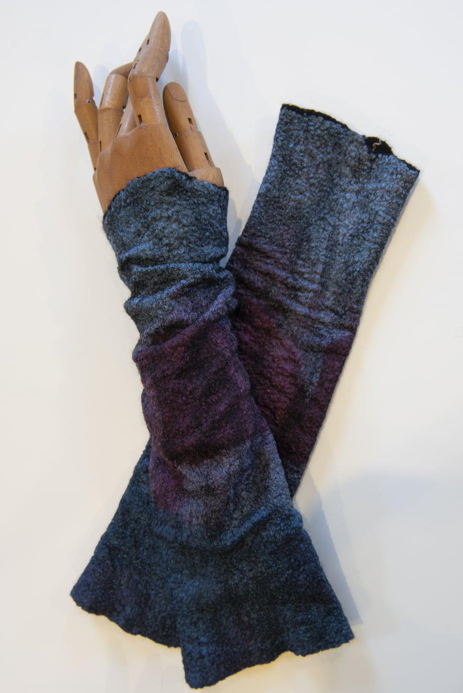 Sandoy-Kirsti-Wrist-warmer
